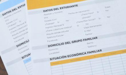 ENTREGA DE FORMULARIOS DE BECAS