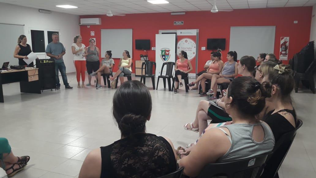 SEGUIMOS CON EL CICLO DE MATERNIDAD, LACTANCIA Y FAMILIA