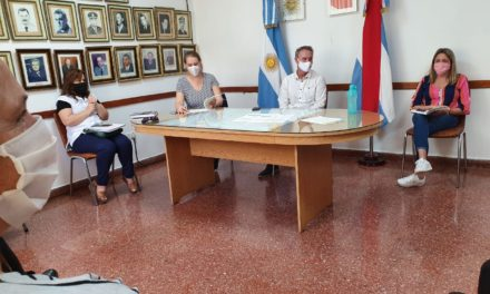 REUNIÓN CON EQUIPOS DIRECTIVOS ESCOLARES PARA ESTABLECER DIAGNÓSTICOS Y PROYECTAR MODALIDADES DE TRABAJO CONJUNTAS