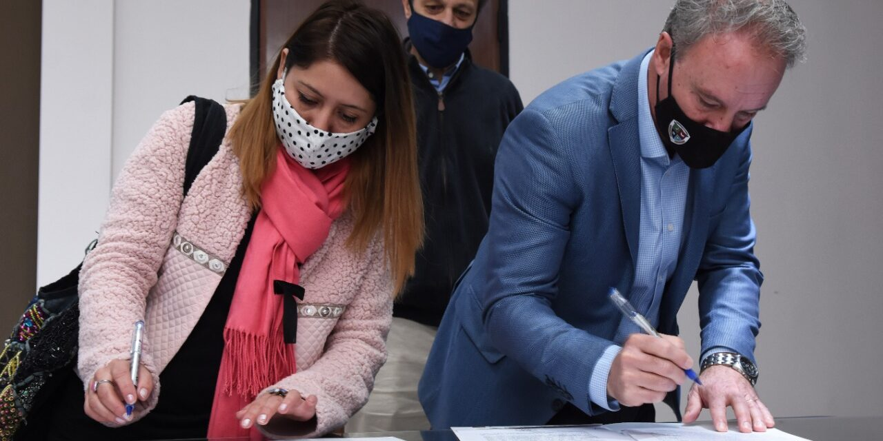 LA MUNICIPALIDAD DE CRESPO Y LA COMUNA DE ETCHEVEHERE FIRMARON CONVENIO DE GESTIÓN Y COLABORACIÓN